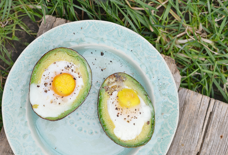 gevulde-avocado-met-ei