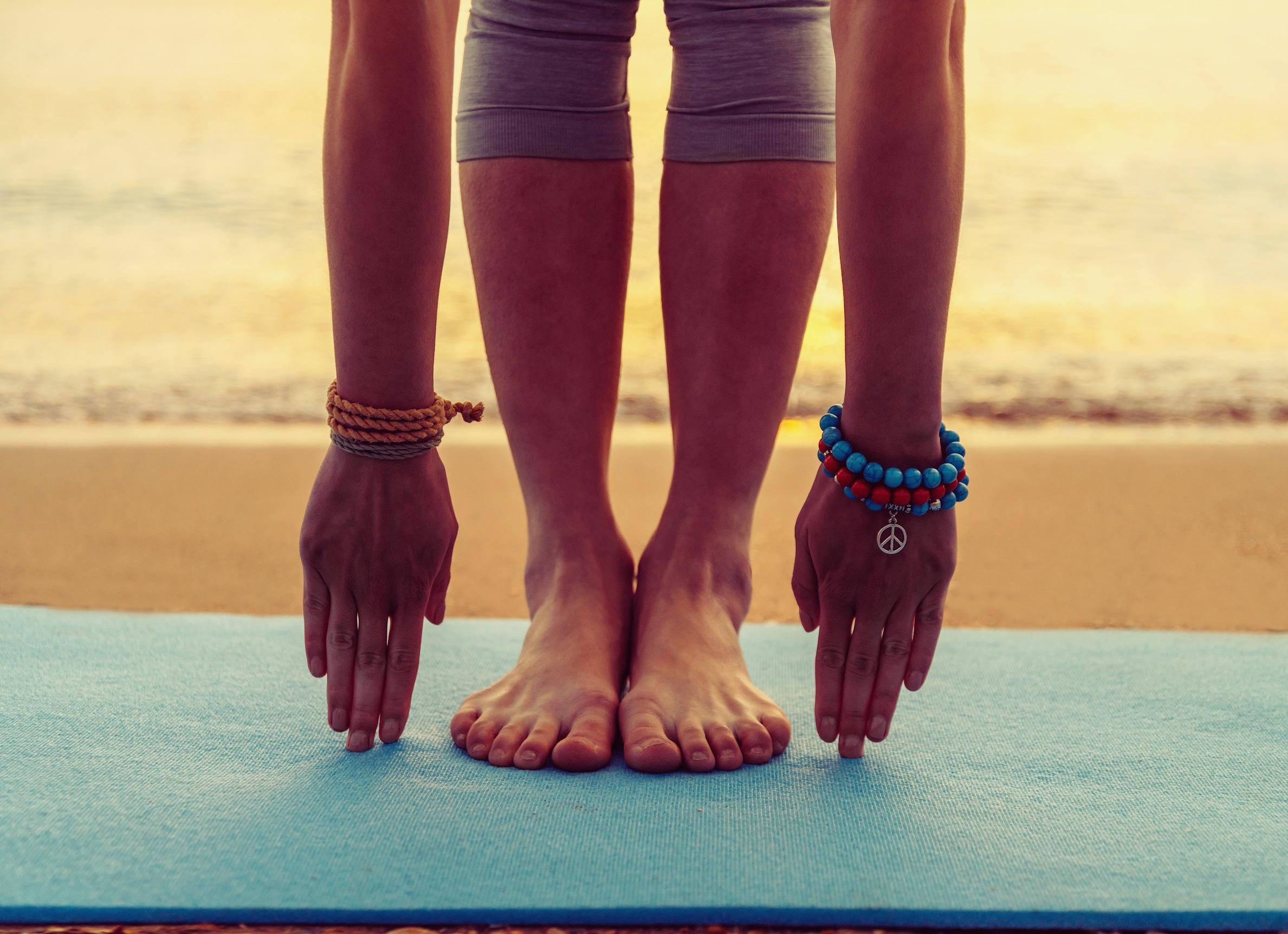 yoga-at-the-beach