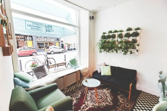 Hotspot Pim Coffee Sandwiches & Vintage in Den Haag