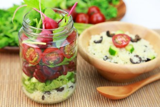 Zo maak je de perfecte salad in a jar