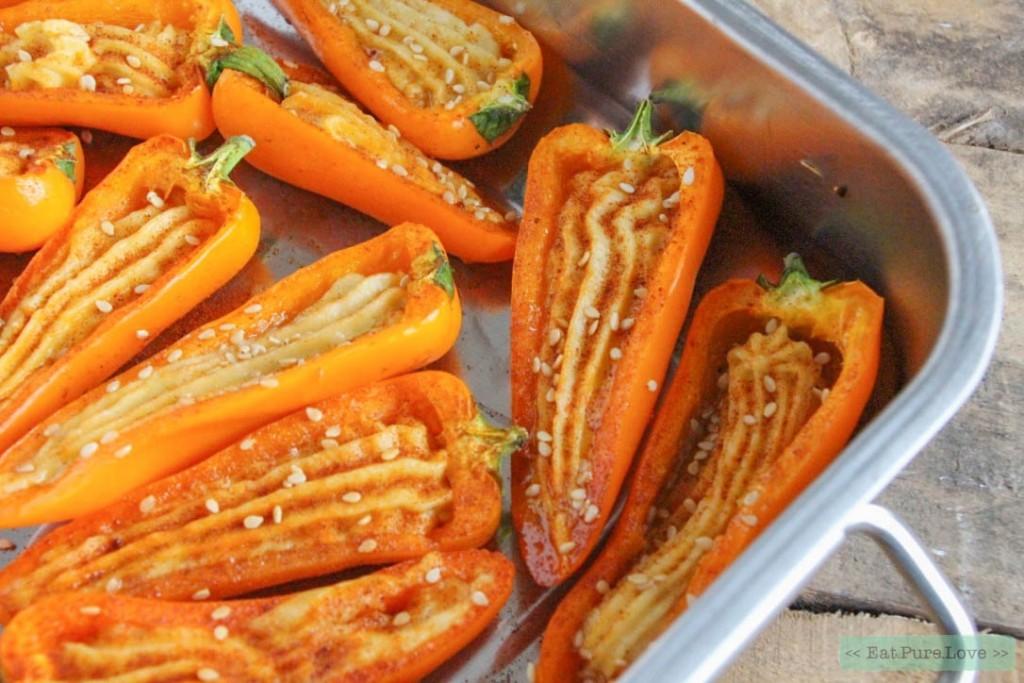 Gevulde paprika met hummus uit de oven