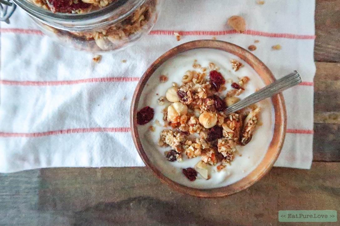 Kerst granola met noten en cranberry's