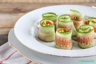 Komkommer rolletjes met avocado en zalm