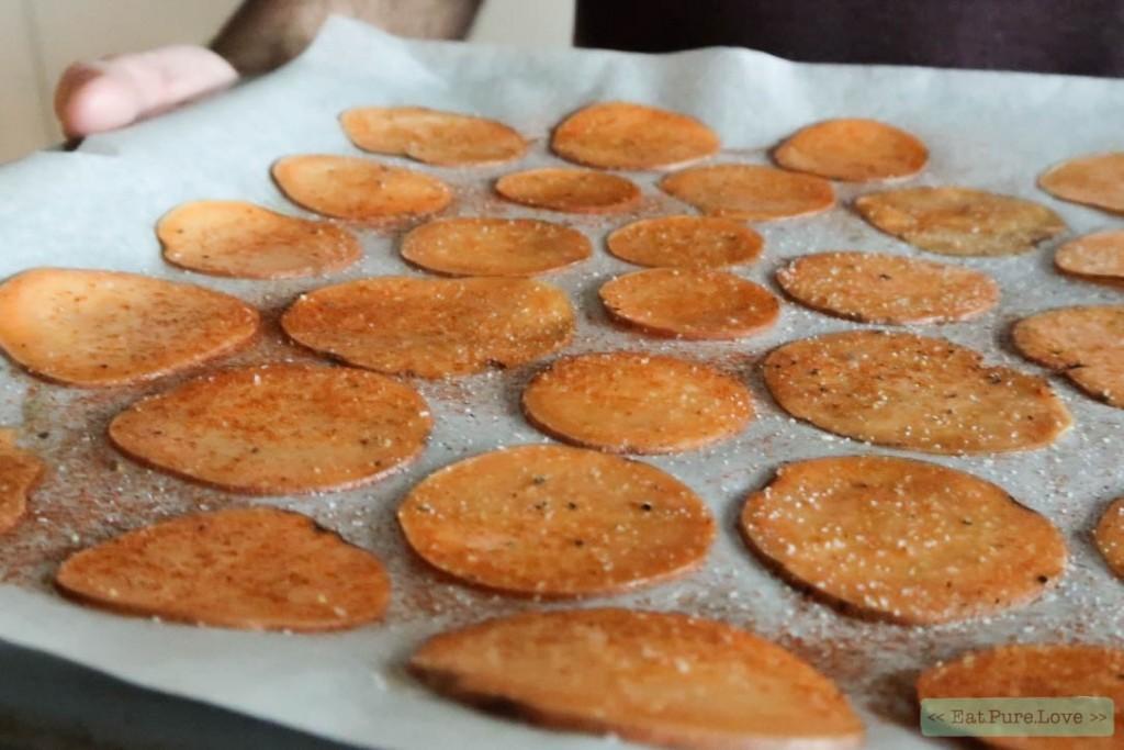 Zoete aardappel chips uit de oven