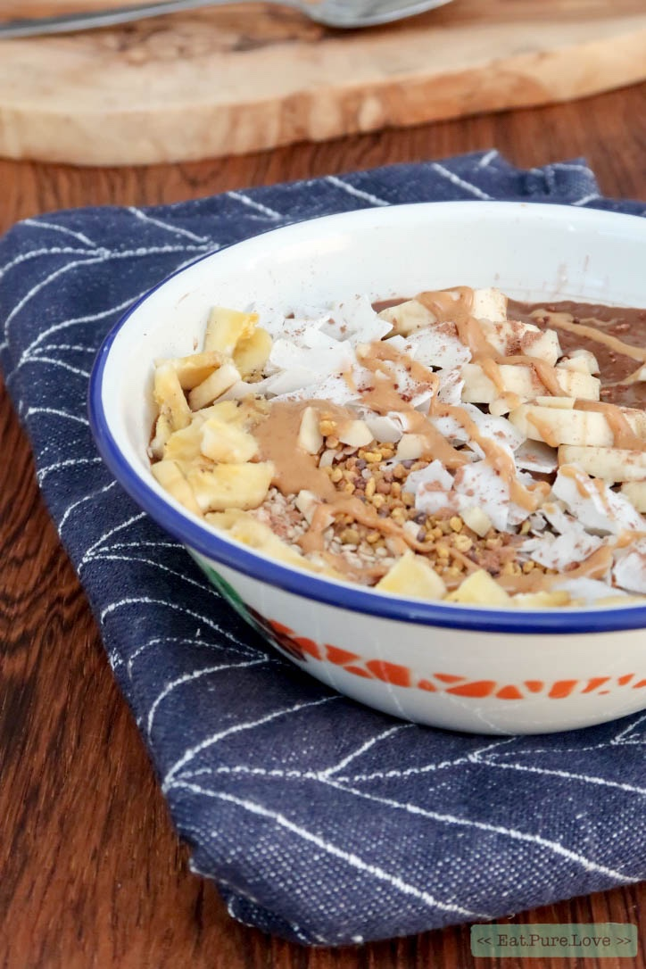 Chocolade smoothie bowl met havermout