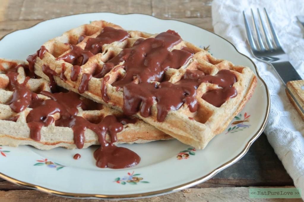 Glutenvrije wafels met homemade chocoladesaus