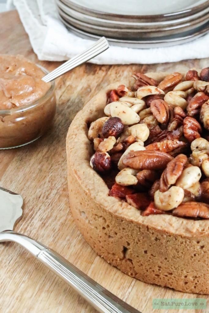 Glutenvrije toffee appeltaart met notenkorst