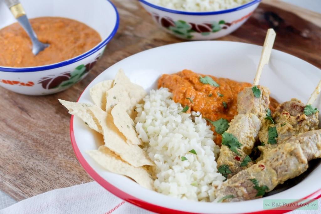 Tikka masala curry met kruidige lamsspiesjes