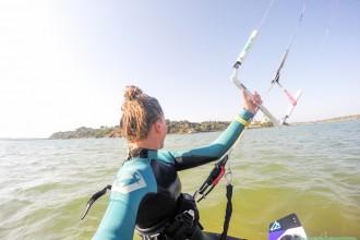 Kitesurfen in de Algarve bij het vissersdorpje Alvor