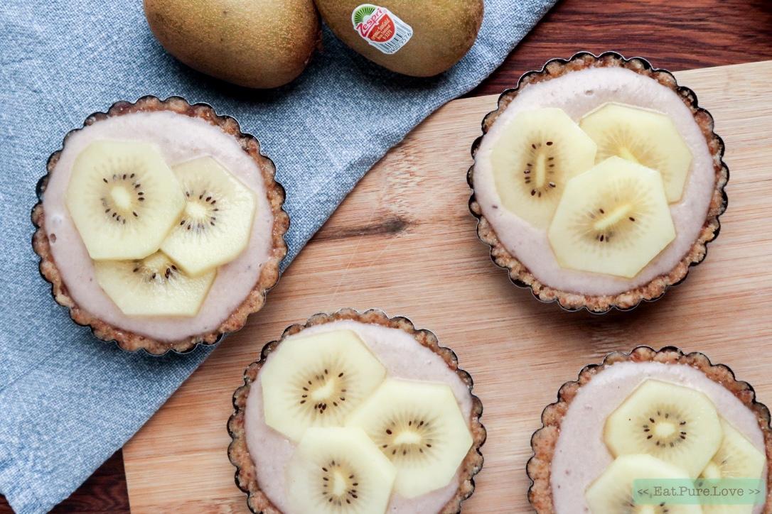No bake glutenvrije ontbijttaartjes met gele kiwi