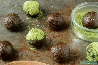 Matcha bliss balls met chocolade
