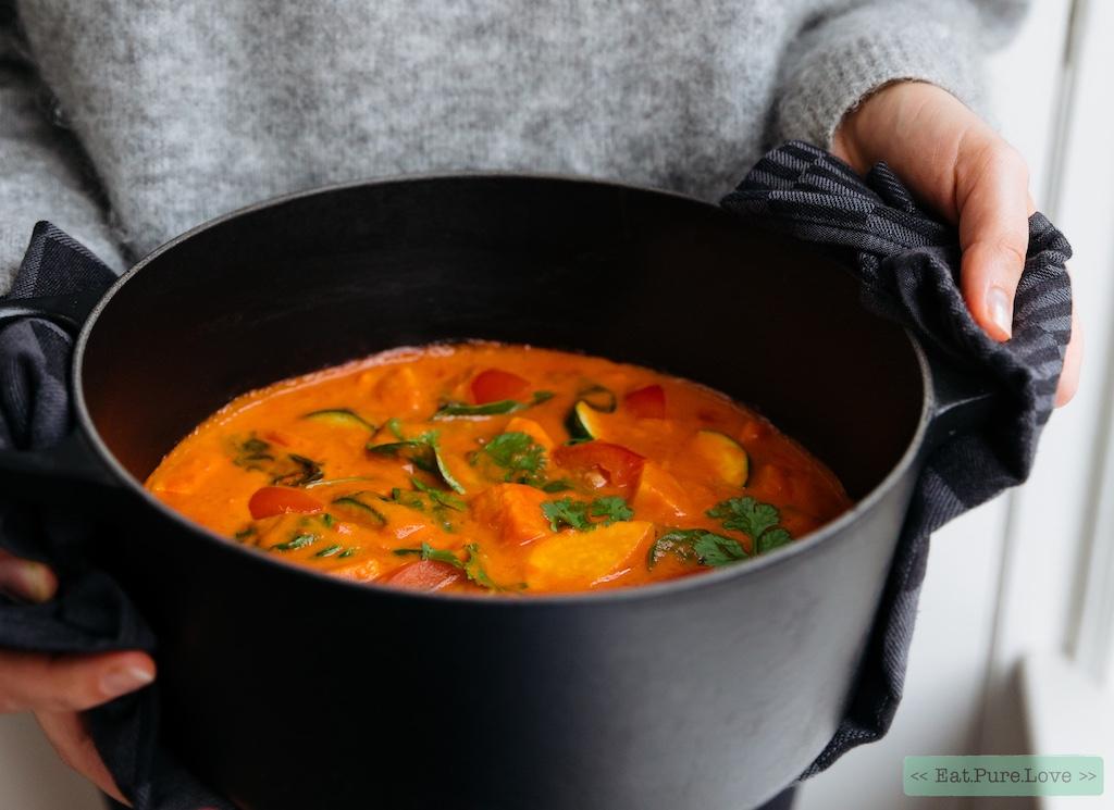 Vegan stoofpotje met zoete aardappel en wortel