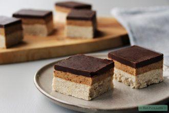Vegan Twix cheesecake met gezouten karamel