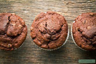 Chocolade muffins van zwarte bonen