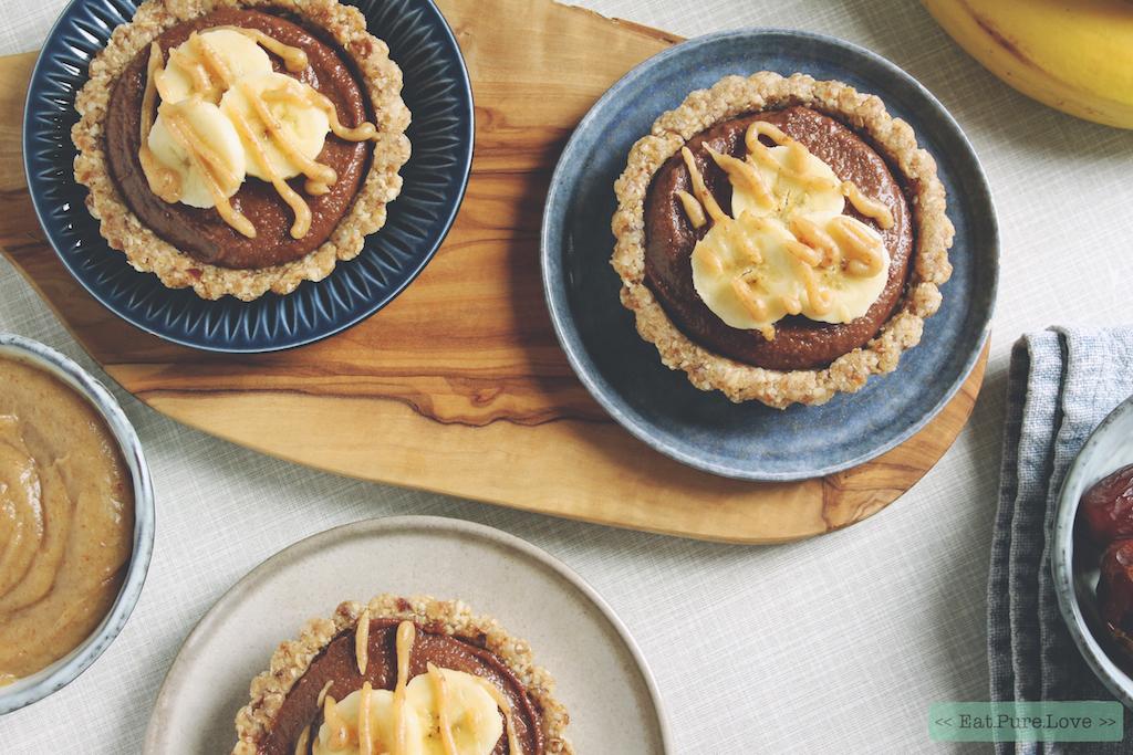 No bake cheesecake taartjes met banaan en chocolade