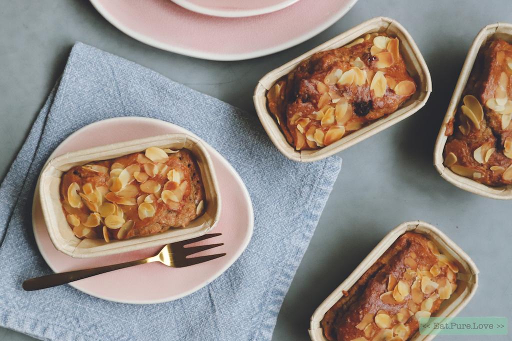 Zuivelvrije kwarkbroodjes met noten en vruchten