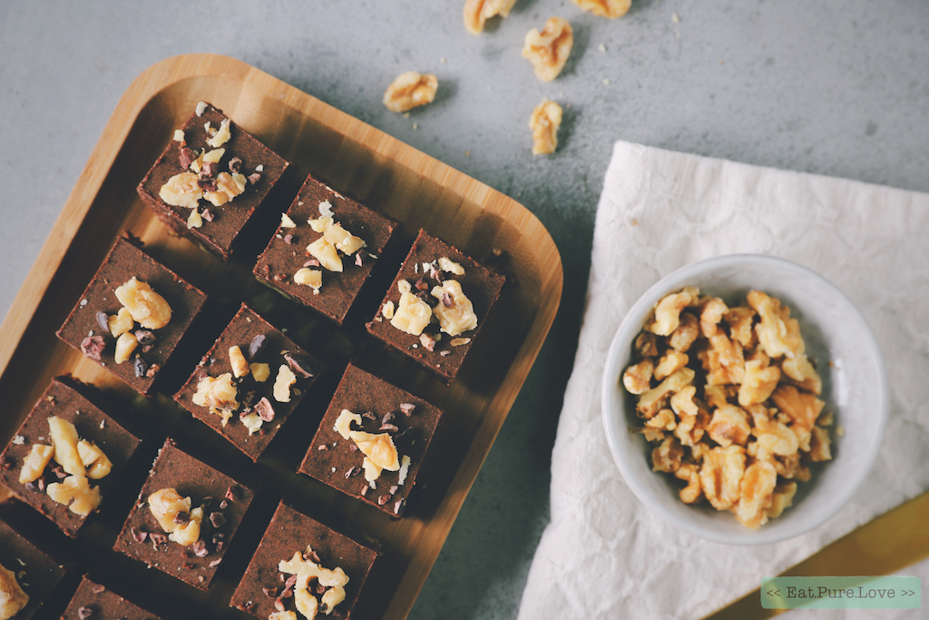 Raw en vegan brownies met chocolade ganache