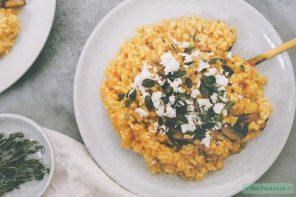 Vegetarische pompoenrisotto met feta, champignons en tijm