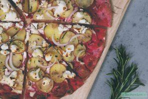 Het recept voor vegetarische pizza met aardappel en geitenkaas